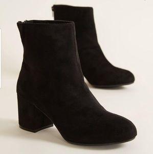 BKE Soley Black heeled booties size 10
